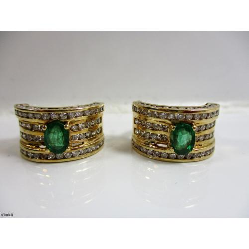 3.40 ct DIAMOND & 1.20 ct EMERALD EARRINGS, 14K Y/G